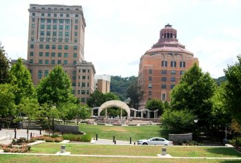 Tour Asheville, North Carolina: Culture, Cuisine & History